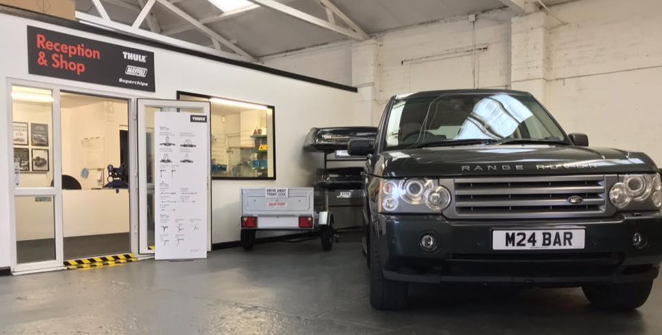 Green Range Rover at MotaBars